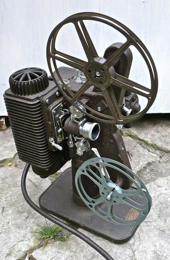 Antique Revere Model 80 Standard 8MM Projector Vintage Movie