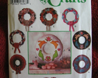 Simplicity Crafts Pattern 9311 Andrea Tebesceff Uncut Factory Folded Classic Holiday Easter Wreath