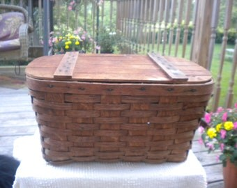 Great Vintage Picnic Basket,Primitive,Antique,Country,Cottage,French country