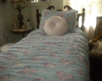 SALE...Simply Shabby Chic Retired  Twin/ Full Duvet and Pillow Sham, Shabby chic, Baby girl's Room