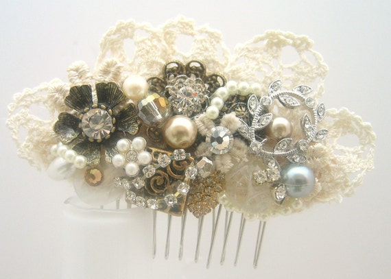 Gold Hair comb -Bridal hairpiece in Champagne, Ivory and Lace. Vintage hairclip,  Wedding hair Accessories - Lace Hair Comb