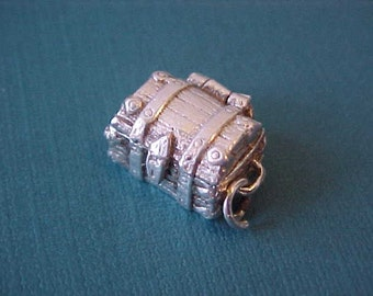 Adorable Vintage English Sterling Silver Pirate's Chest Charm-Lid Opens and Treasure Inside