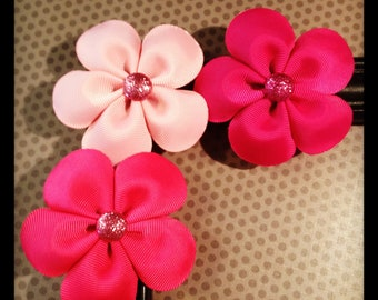 Set of 3...Shades of Pink Flower Hairclips...Girls Hairbows...Baby/Infant Hairbows...Hairclips