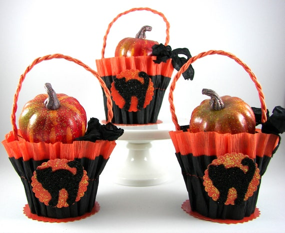Halloween Candy or Nut Cup with Black Cat (3)
