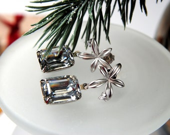 Silver Crystal Earrings. Swarovski Earrings. Sparkling Clear Crystals.