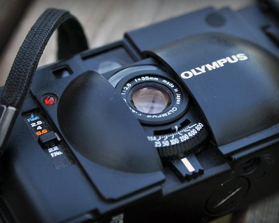 Olympus XA 35mm compact camera (FREE SHIPPING)