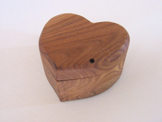 Red Elm Engagement ring box, ring bearer or jewelry box