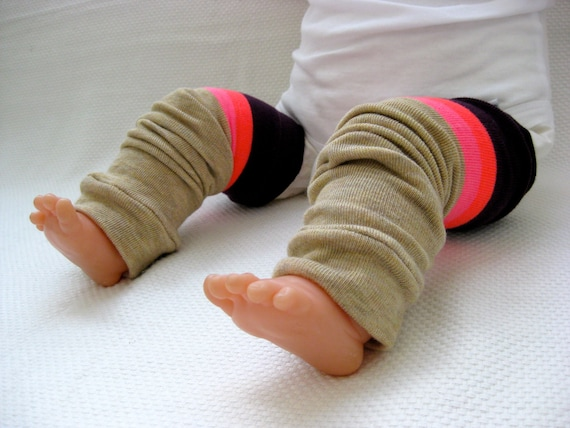 Blackberry Striped Baby Leg Warmers (0-12 months)