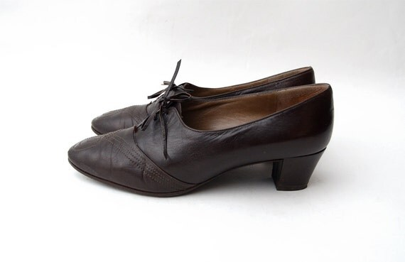 Vintage BRUNO MAGLI brown leather heeled oxfords