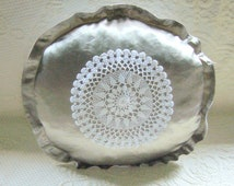 Turkish Lace Round Sateen Pillowcase / Wedding chest item / Traditional pillowcase / Hnadcrocheted turkish lace pillowcase