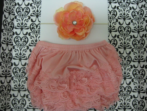 Baby girls pink lace bloomers, petti lace bloomers, diaper cover, baby bloomers fits 6-12 months and matching flower headband, Photo prop