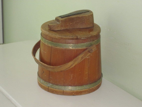 Vintage Wood Shoe Shine Bucket Firkin Pail And Contents
