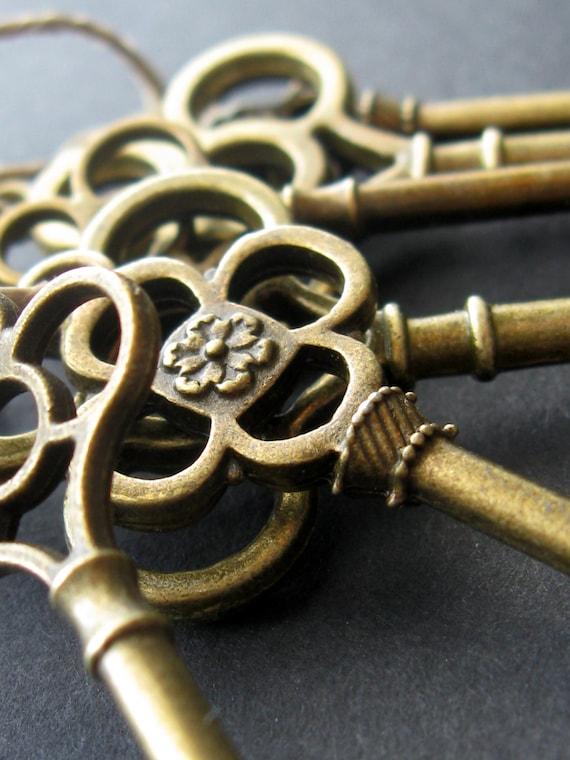 Skeleton key favors (25) skeleton key wedding favors, gift tie ons, christmas tree decorations, rustic wedding favors