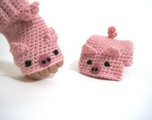 animal gloves, fingerless pink pig mittens.
