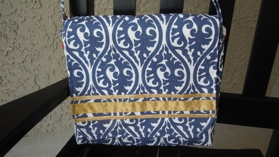 Ipad Messenger Bag with Adjustable Strap and Outside Ipad Pocket in Navy and Off White