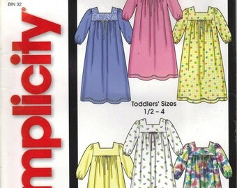 Simplicity Sewing Pattern 5753 - Toddler's Nightgowns (1/2 - 4)