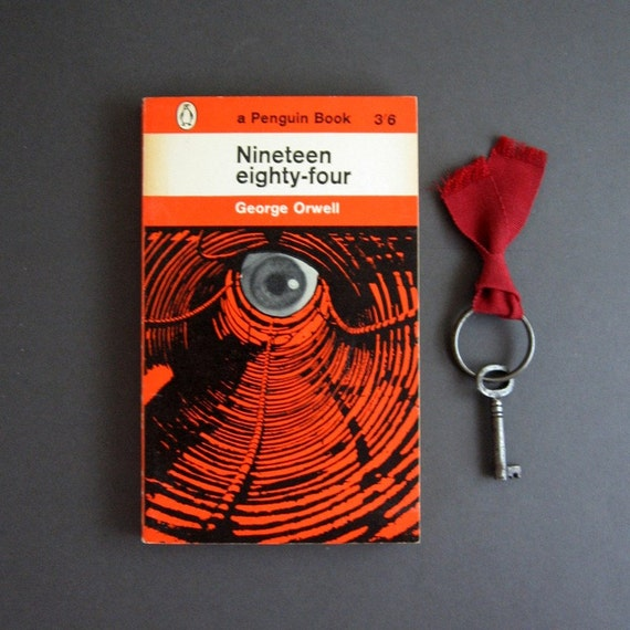 Nineteen Eighty-Four - George Orwell, Vintage Penguin Paperback Book 1961