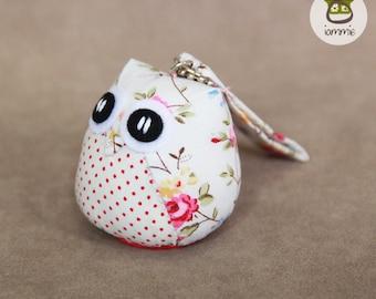 Snowy - Cute Owl Ornament with a Bag: plush, owl doll, white, flower, christmas, xmas, mini, kid, owl decoration, poka dot, animal, bird