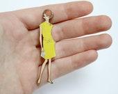 Wooden Vintage Fashion Lady Brooch