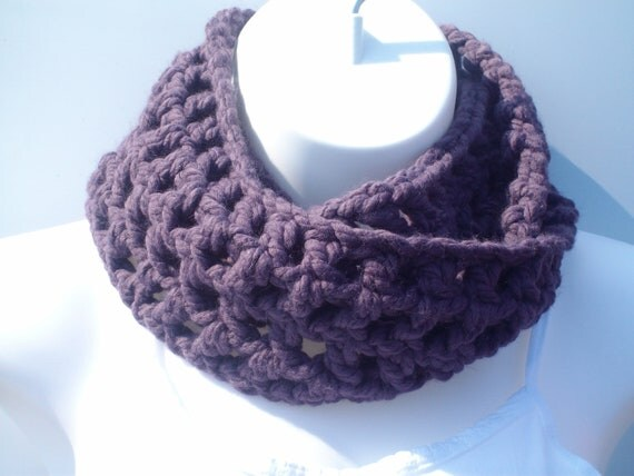 Purple Scarf. Purple Crochet  Chunky Infinity Scarf, Grape Eternity Scarf, Cowl, Loop Scarf, FREE SHIPPING
