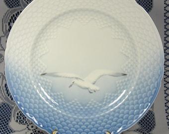 Bing And Grondahl Denmark Dinner Plate Seagull Blue And White Sea Bird 1980s Gold Trim