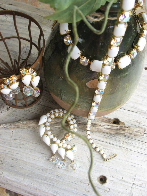 White Glass Rhinstone 5pc Vintage Set. Unique. Brooch.Necklace. Earrings. Bracelet.ooak Set