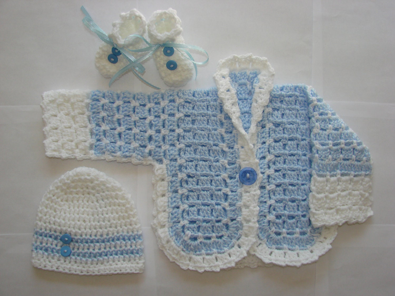 Crochet Pattern For Baby Hat And Sweater : Baby Boy Crochet Sweater Hat Booties Set Blue White Handmaded