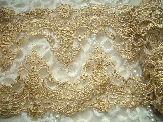 Luxury golden lace trim vintage embroidery bridal gown