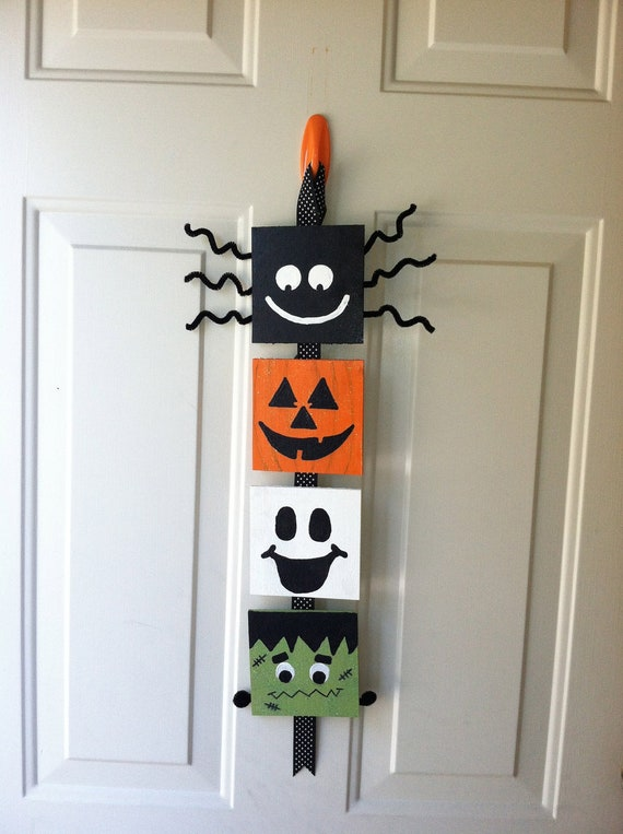 Halloween door decoration made to order by dreamthread on etsy for Adornos para ventanas halloween