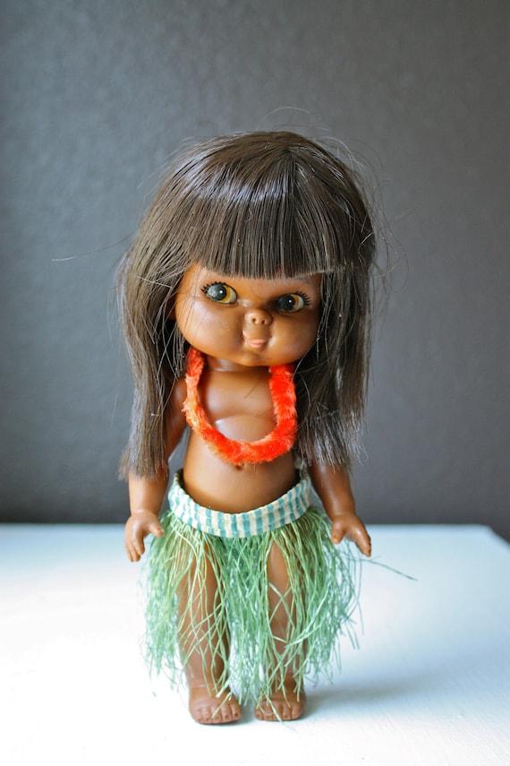 Adorable 1960s Vintage Hula Girl Hawaiian Doll With Grass
