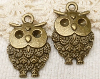 18mm Feathery Chubby Owl Charms - Antique Bronze (6) - A99