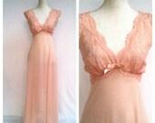 50s Light Pink Lace Night Gown / Large / Full Length / Sleeveless / Peignoir / V Neck / Scalloped Trim