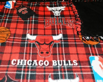 NBA Chicago Bulls Fleece Tie Blankets, Bulls, Basketball, Red & Black