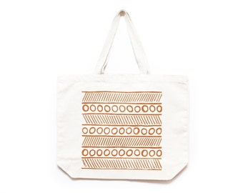 CLEARANCE!!! Circles & Lines Tote Bag in Natural/Brown