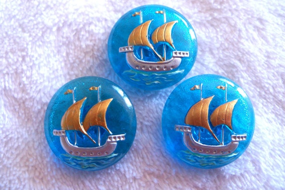 Czech glass buttons  3 pcs collectable  SHIP   22mm   IVA 292