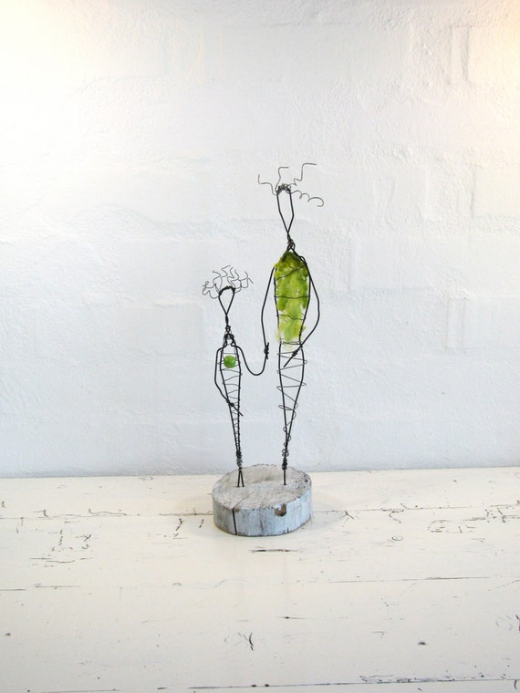 Mother and Daugther Wire Sculpture. Folk Art Family Sculpture. Original Wire Art. Mixed Media Wire Art.