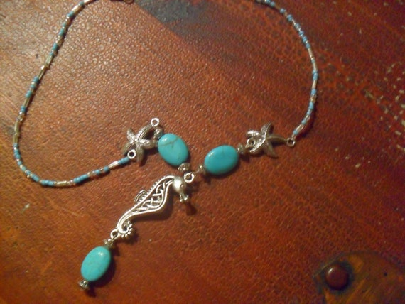 starfish and seahorse pendant necklace