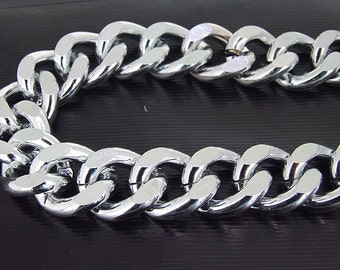 Cut Twist O Light Silver Plated Metalic Aluminium Chunky Curb Chain ----- 19mmx 23mm---thickness about 5mm----38""