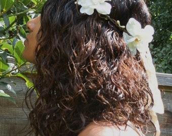 Luna - A white floral and pip berry hair wreath crown hairband bridal weddings