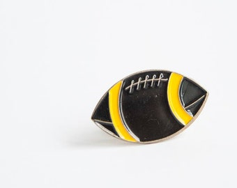 Vintage football / rugby pin