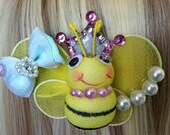 kawaii lolita fairy kei decora queen bee hair clip