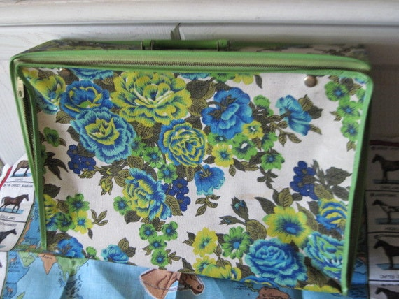 Vintage Small Cloth Suit Case Pretty Green and blue Flowers Holiday Fairs
