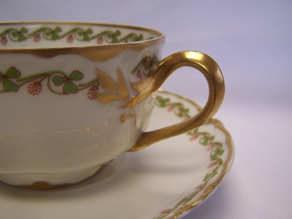 CLOVER LEAF Gilt Decorated Haviland Limoges Tea Cup & Saucer Schleiger 98