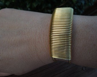 Vintage Gold Tone Bangle, Simple Design, Nice Condition
