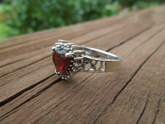 Vintage Silver Ring Size 7 With Red Heart Shaped Stone, Stamped 925