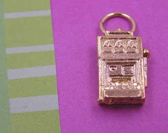071 Gold Slot Machine Las Vegas Charm