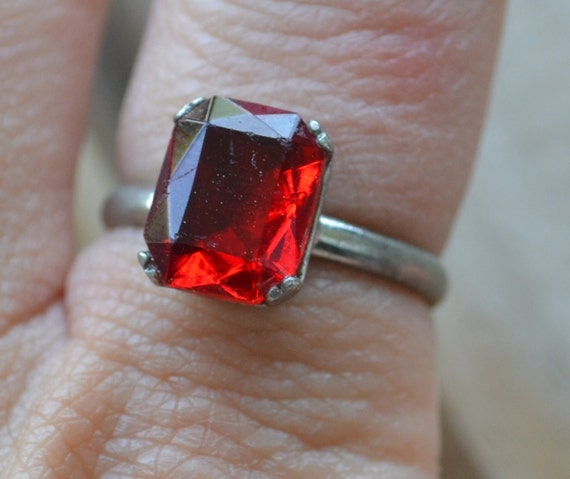 HOLD antique sterling hallmarked Uncas Edwardian / art deco ruby red czech glass solitare rhinestone cocktail ring