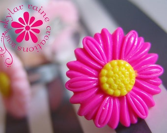 RING - hot PINK Resin DAISY Flower Ring  - Adjustable Silver band - fits all sizes - flower ring