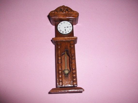 Miniature Wood Stained Dollhouse Clock (MM1247)