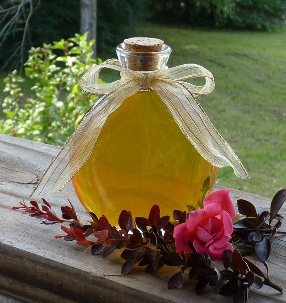 7oz Jar of Honey Antique Style Oval Jar Raw Tennessee Wildflower Unfiltered Honey Unique Gift Wedding Favor Housewarming Gift Keepsake